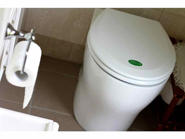Waterless Public Toilets l jpg