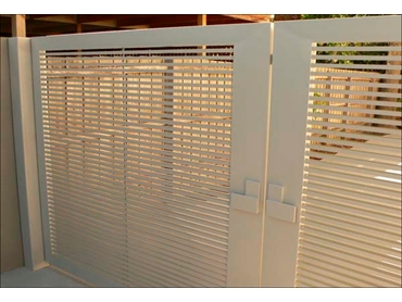 Superior-Steel-Aluminium-and-COLORBOND-Steel-Fencing-and-Gates White
