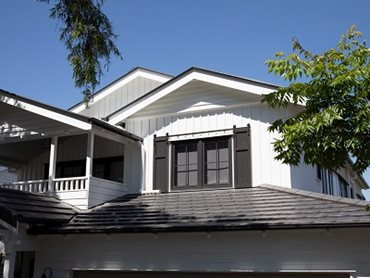 Roof tiles from Monier Roofing met the classic American design aesthetic sought by the builder
