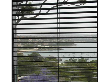 Retractable Venetian Blinds from Maxim Louvres