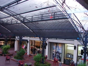 Retractable sunroofs and sunshades from Issey Sun Shade Solutions
