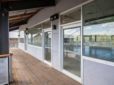 commercial external coridoor office spaces