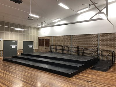 Select Staging Concepts Quattro modular stage