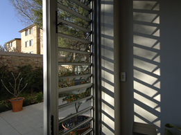 High-performance acoustic, wind and water louvre windows by Safetyline Jalousie