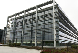 MAX™ structural glazing: Beautiful efficiency