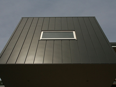 Naturel PVDF Aluminium from Archclad™ in Charcoal Black