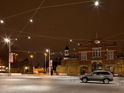 Beresford Square UK catenary cable lighting