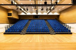 Fixed Retractable Seating: flexibility between seating needs and requirements