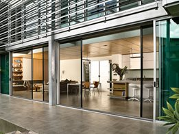 Centor S1 retractable screen and blind for large openings