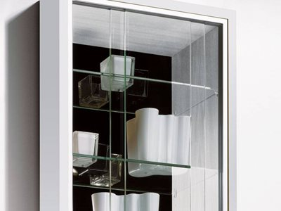 Hettich sliding doors on cabinet in bathroom interior