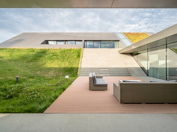 Warmia House Green Line privacy