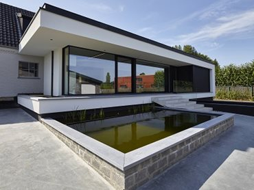 The Belgian home with Renson solar screens and facade cladding