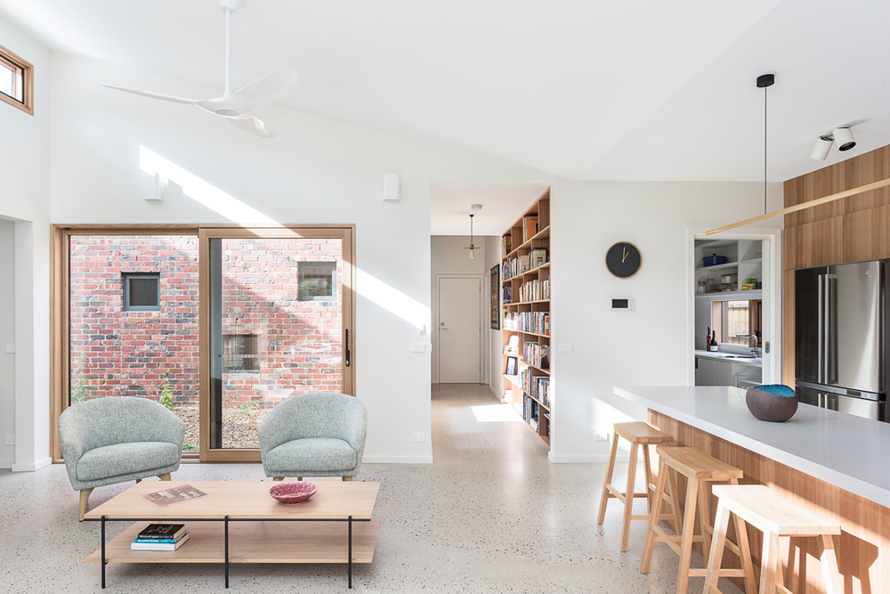 Brick Courtyard House interior