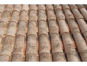 Medio Curva Range of European Terracotta Roof Tiles by Bristile Roofing l jpg