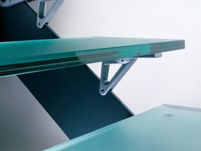Detailed image of anti-slip glass flooring on stairs