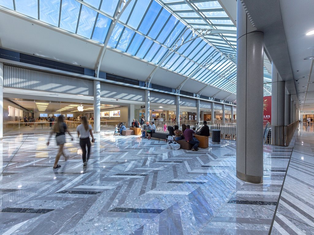 Corian® for retail and shopping centres