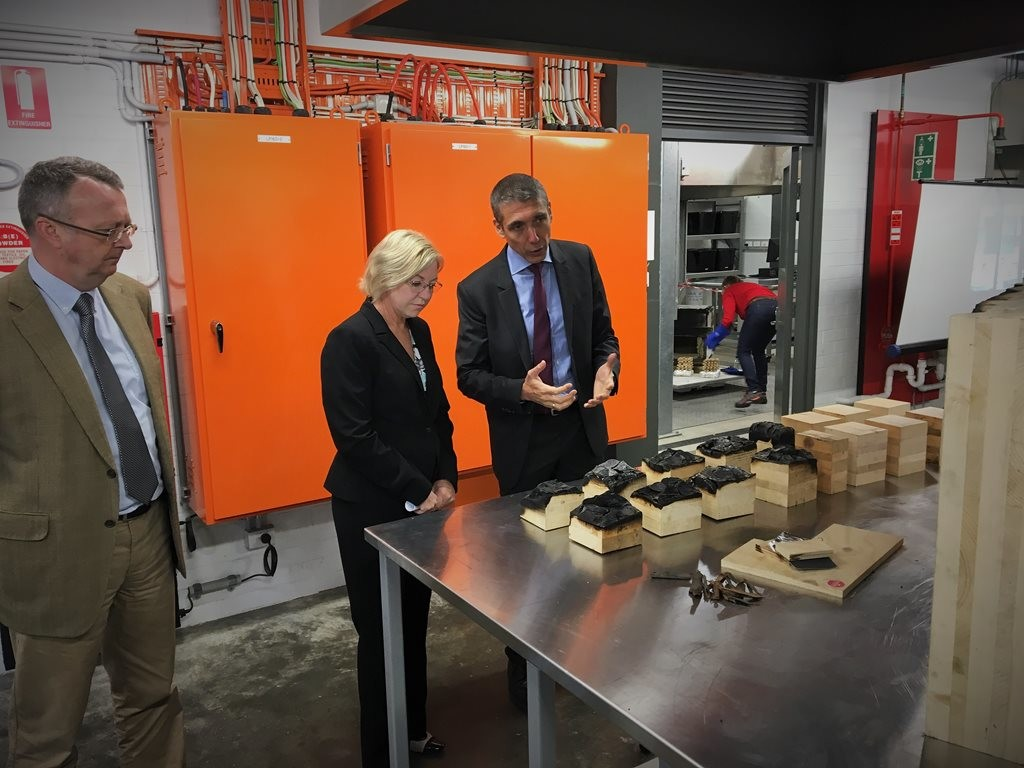 Forestry Minister Leanne Donaldson touring the Centre for Future Timber Structures at UQ