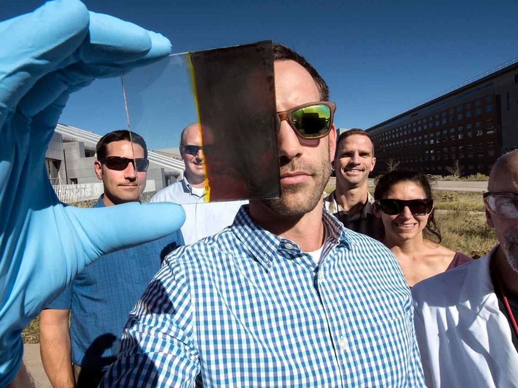 Lance Wheeler (front) developed a switchable photovoltaic window along with fellow NREL researchers (from left) Nathan Neale, Robert Tenent, Jeffrey Blackburn, Elisa Miller, and David Moore. Image: Dennis Schroeder/NREL