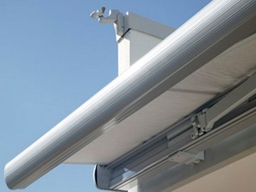 Retractable Folding Arm Awnings - The Aluxor Discus Retractable Folding Arm Awning