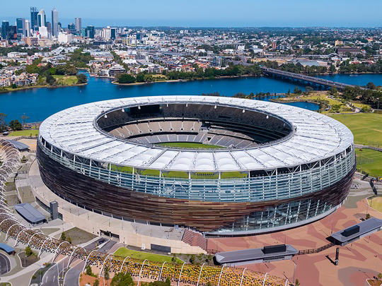 Leading Australian builder Multiplex won the National Commercial Builder of the Year award at the Master Builders National Excellence in Building and Construction Awards for the construction of Perth's Optus Stadium. Image: Arup