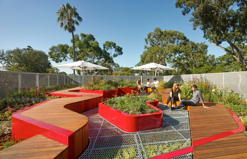 Burnley Rooftop by HASSELL wins 2015 Sustainability Awards - Landscape Design prize