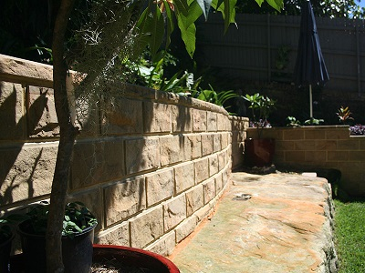 NatureStone retaining wall system