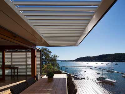 Vergola louvered roof system