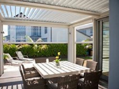 Clear PVC blinds for outdoor entertaining