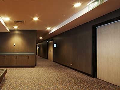 Laminex's Clipwall was selected to achieve the desired aesthetic and functional objectives of the Novotel Canberra refurbishment. Image: Andrew Iser
