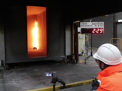 Kingspan's Kooltherm K17 Insulated Plasterboard undergoing the ISO 9705 full scale fire test