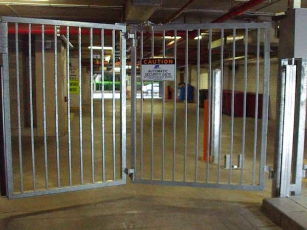 Magnetic trackless speed gates securing emergency services site