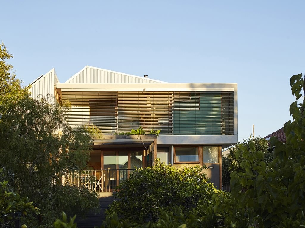 Extended and re-proportioned: architectural plastic surgery for a West Australian weatherboard