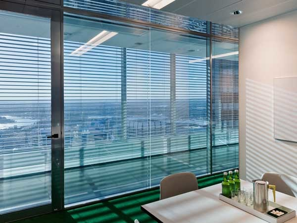 The BCG Sydney fitout uses Linium 90 partition suite to achieve the effortless, minimalistic look