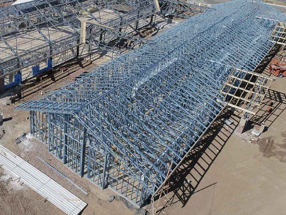 SBS' lightweight frames accommodated the large long span trusses.